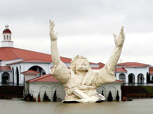 10 estátuas gigantescas ao redor do mundo