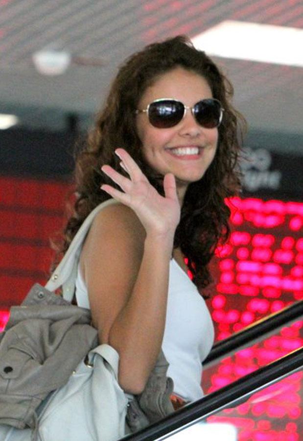 Veja os modelos de óculos de sol das famosas e vote se combinam com você eb5918e3b7