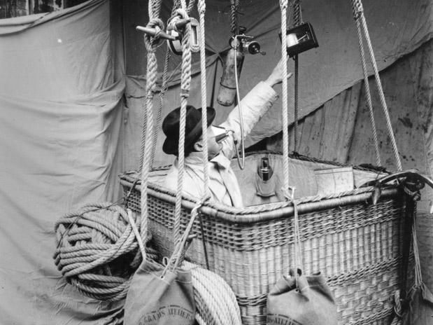 3c3e2c504bb Santos Dumont   Conheça 7 invenções do pioneiro da aviação - Terra