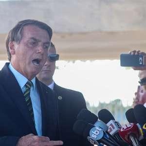 Segurança de Bolsonaro pede que claque não critique imprensa