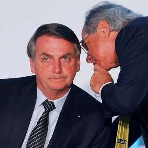 Bolsonaro sanciona lei que garante auxílio de R$ 600