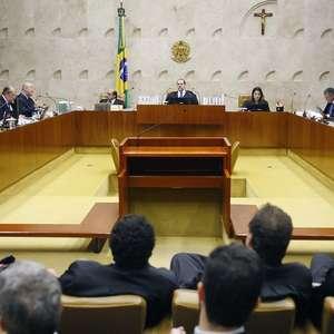 STF proíbe que Bolsonaro faça campanha contra isolamento