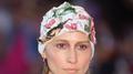 De chapéus a toucas: se jogue nos acessórios de cabeça