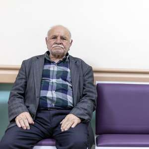 """""""Solidão de idosos não muda, é a pior parte"""", diz enfermeira"""